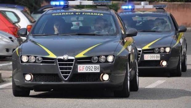 Sequestrati oltre 250 capi contraffatti. Operazioni della Guardia Di Finanza in tutta la provincia - CasertaCE
