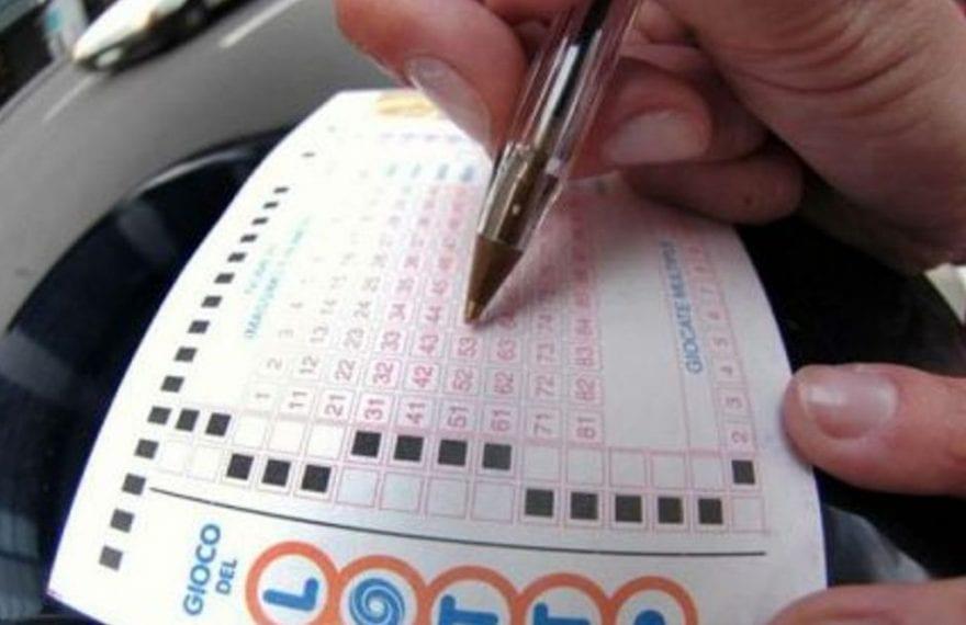 """Casertace Gioca la """"disgrazia"""" al Lotto e si porta a casa quasi 18mila euro. Ecco dove"""
