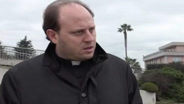 PROCESSO A DON BARONE. L'ex prete legge versi del Vangelo prima della sentenza - CASERTACE