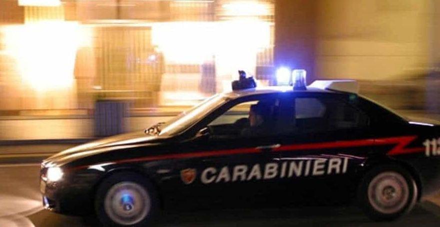 Casertace S. MARIA C.V. Ruba un'auto e investe la figlia del proprietario. Arrestato dopo folle inseguimento