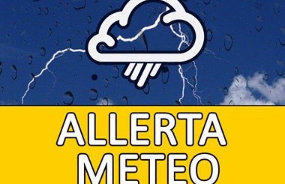 Attenzione al meteo per venerdì: precipitazioni sparse, rischio temporale. ECCO DOVE - CasertaCE
