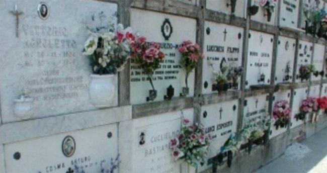 AVERSA. Vandali nel cimitero, piccoli furti ma tanta indignazione - CasertaCE