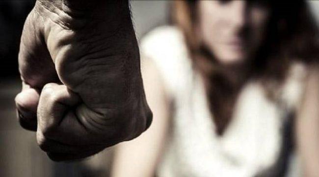 20 anni di violenza e minacce alla moglie: arrestato marito 49enne - CasertaCE