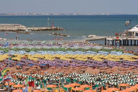 CASERTACE - IL METEO DI FERRAGOSTO. Tutto pronto per il mare. Tanto sole e qualche nuvola su tutta la provincia di Caserta