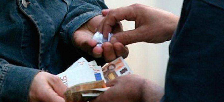 Beccato con la droga in casa, arrestato spacciatore giovanissimo - CasertaCE