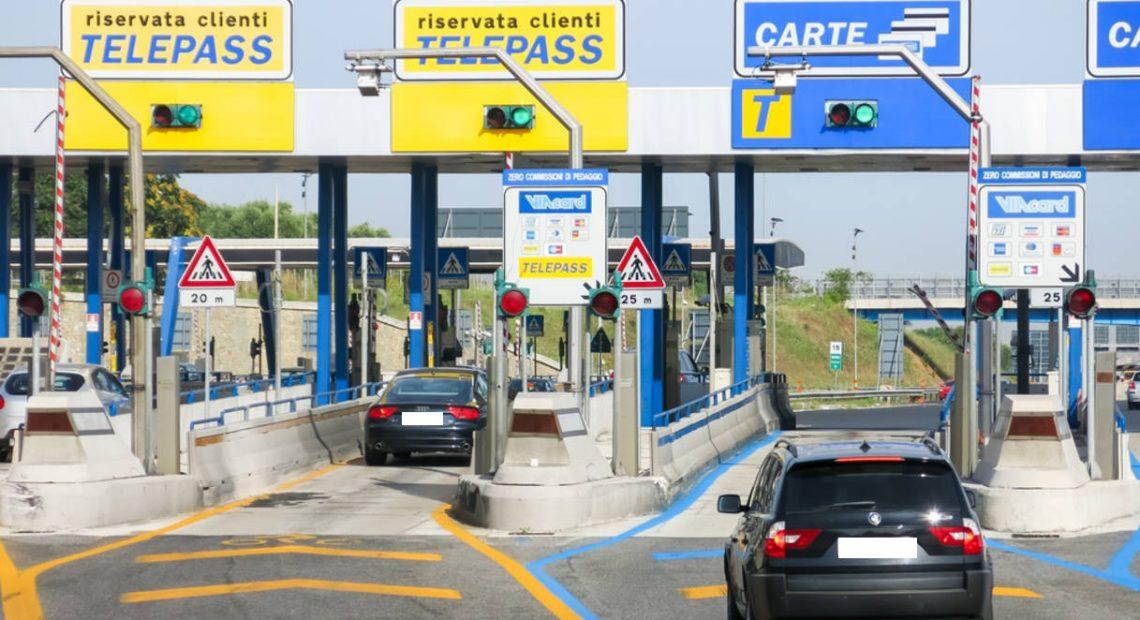 "S. MARIA C.V. Si accodava ai veicoli col Telepass, 37enne ""spilla"" 10mila euro di pedaggi ad Autostrada s.p.a."
